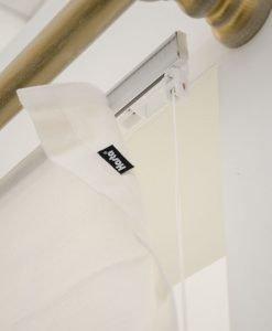 hissgardin lina närbild fäste