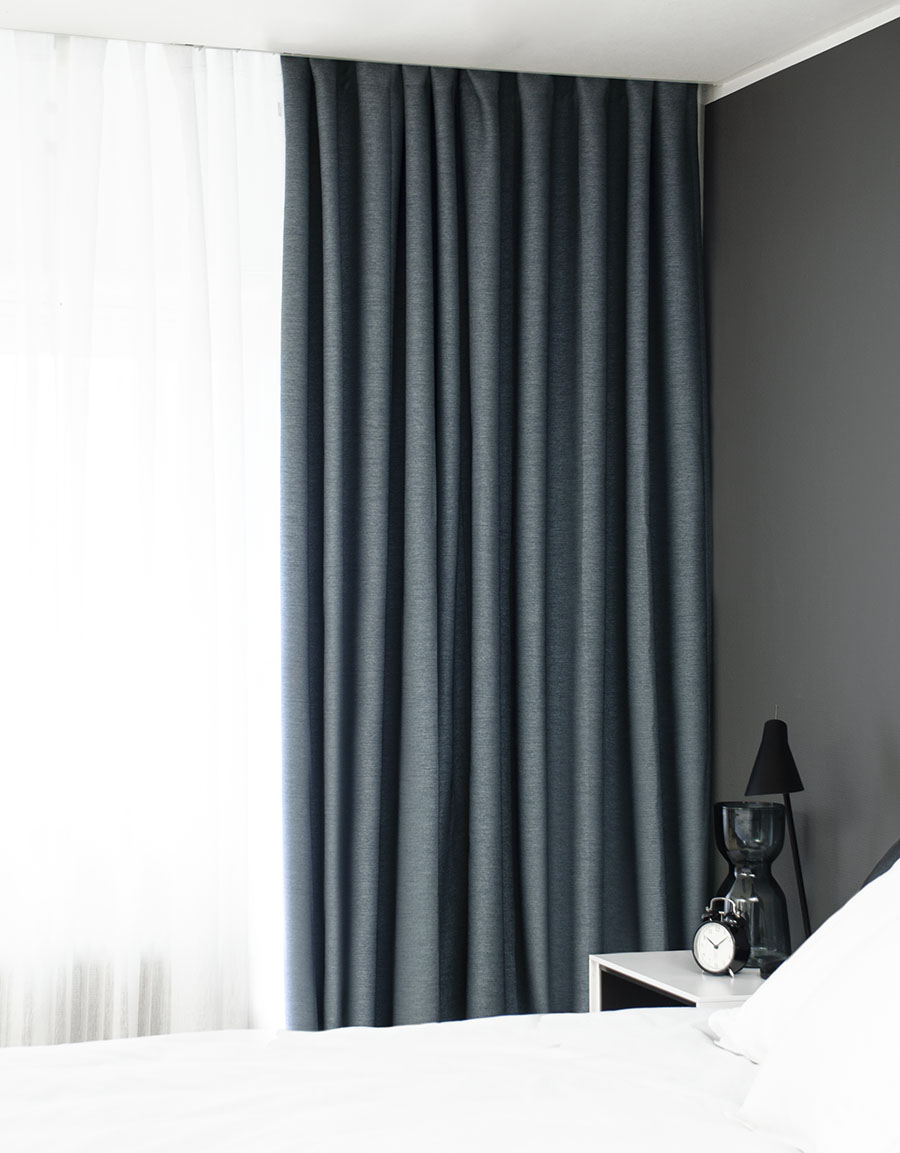 Hypermoderne Måttillverkad gardin Vila, mörkläggande, blå | Hasta Home PK-06