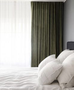 mörkläggande hotellgardin grön, måttillverkad Hasta
