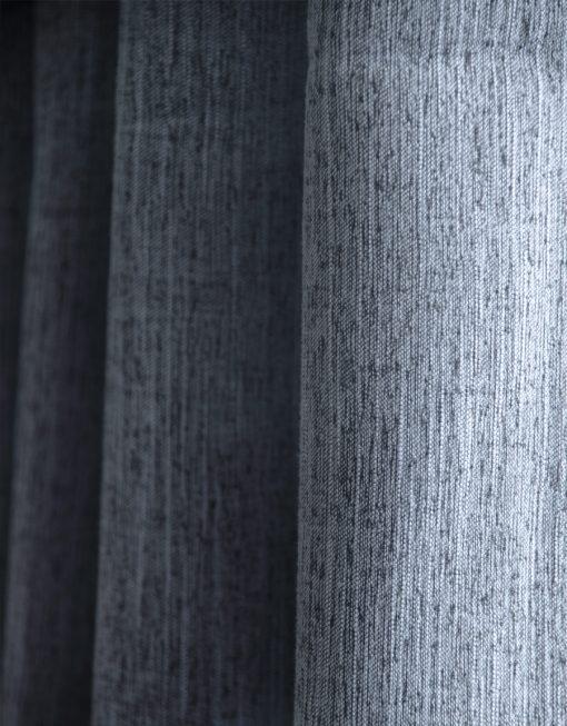 mörkläggande hotellgardin blå, måttillverkad Hasta