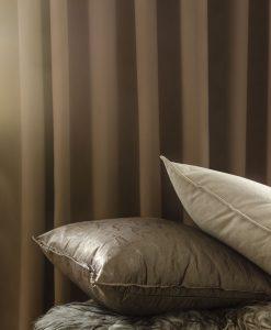 Hotellgardin Dokie brun måttillverkad Hasta