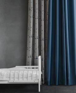 Dokie blå gardin, mönstrad